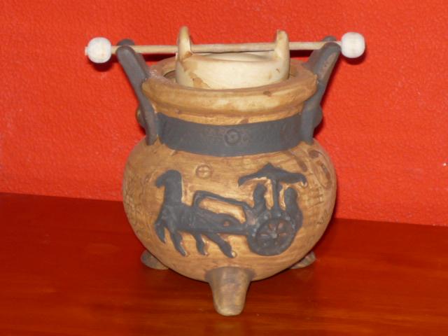 Aromalampa keramická béžová s koněm