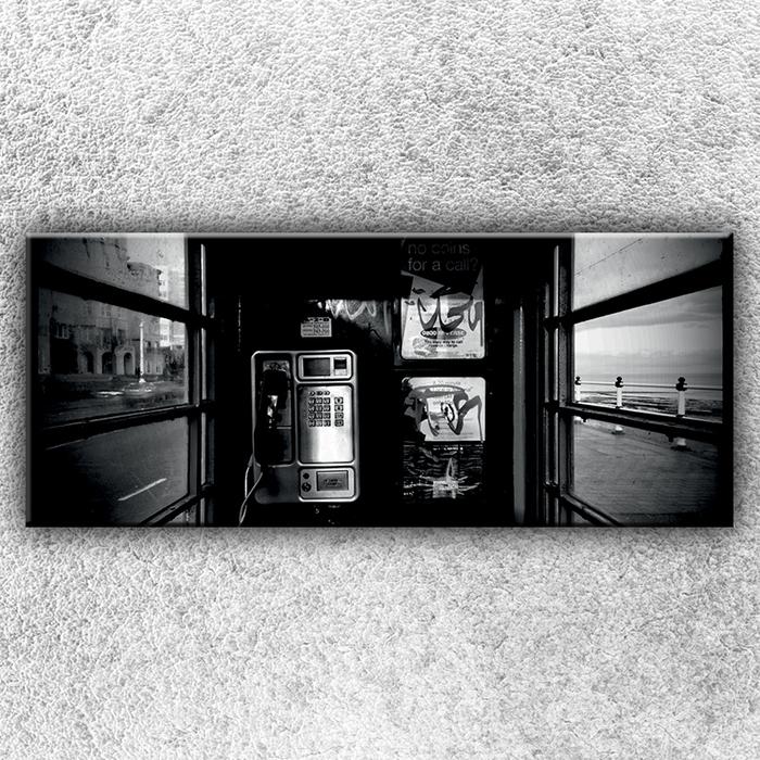 Jednodílný obraz V telefonní budce 120 x 50 cm